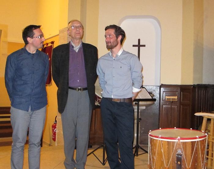 Jean-Baptiste Giai et Maurice Guis, aux côtés de leur interprète Sylvain Brétéché, au Temple aixois de la rue de la Masse (photo MN)