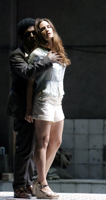 Joel Pietro et Kate Lindsey (Ferrando et Dorabella) (photoPascal Victor / ArtComArt DR)