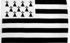 Bandieras bretonas enebidas d'estadi