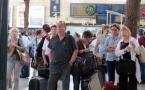 Attente à la Gare Saint-Charles de Marseille. Avec 20% de trains régionaux en retards, les pénalités payées par la SNCF oscillent entre 2 et 5 M€ l'an. Leur versement aux usagers est à l'étude (-photo MN)